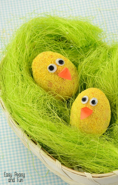 Fuzzy-Chicks-Easter-Eggs-Decorating-Idea